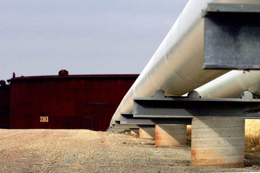 Nowy system tworzenia zapasów obowiązkowych paliw może kosztować więcej, niż szacuje resort gospodarki