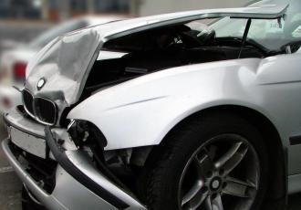Warsztaty coraz częściej same oceniają rozmiary uszkodzeń w samochodach