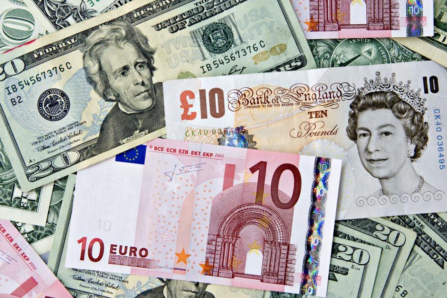 Amerykański dolar, brytyjski funt i euro