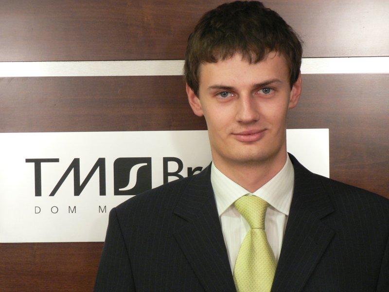 Tomasz Regulski, analityk TMS Brookers