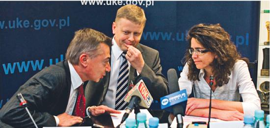 Olivier Barberot, członek zarządu France Telecom, Maciej Witucki, prezes Telekomunikacji Polskiej, i Anna Streżyńska, prezes UKE Fot. Wojciech Górski