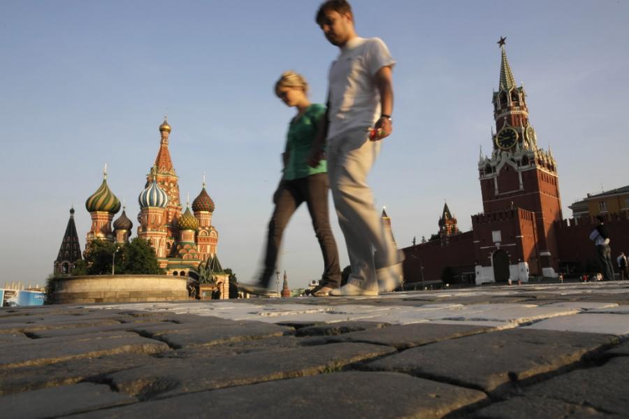 Średni miesięczny dochód na głowę wzrósł w tym czasie w Rosji z 5083 rubli do 5187 rubli.
