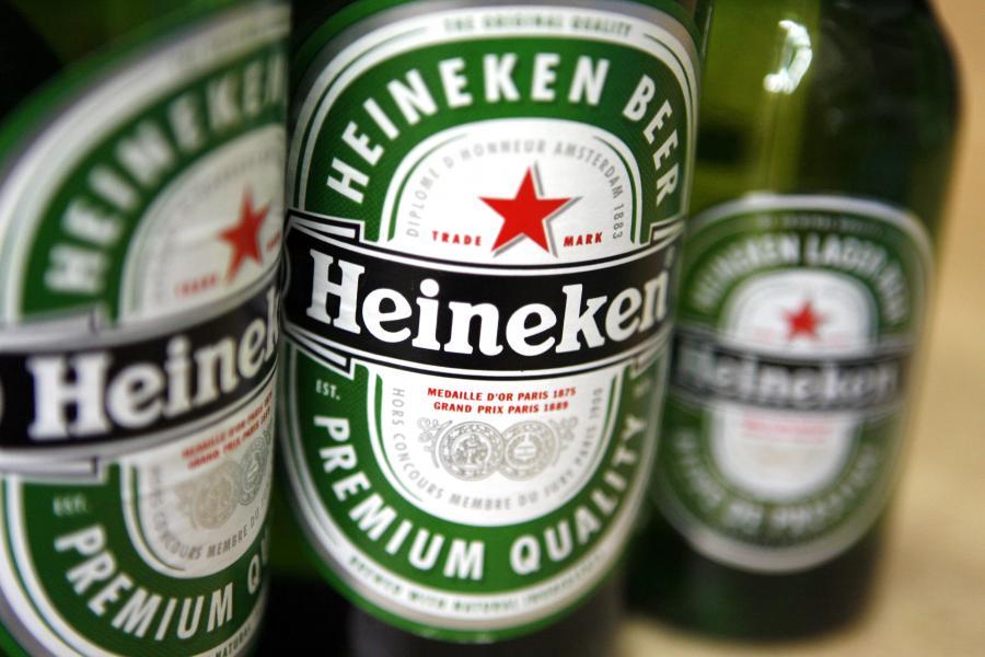 Spada sprzedaż Heinekena