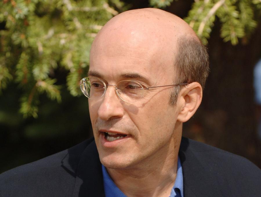 Kenneth Rogoff, jest profesorem ekonomii i polityki publicznej na Uniwersytecie Harvarda: wcześniej był głównym ekonomistą Międzynarodowego Funduszu Walutowego