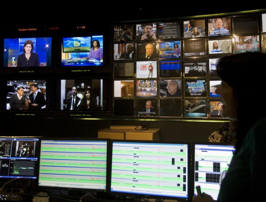 Telewizja ma negatywny wpływ na jakość i trafność przewidywań - mówi Philip E. Tetlock z Uniwersytetu Stanu Pensylwania.