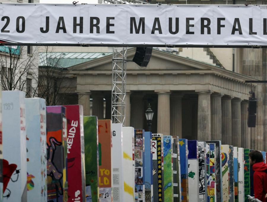 Niemcy świętują 20 rocznicę zburzenia muru berlińskiego.