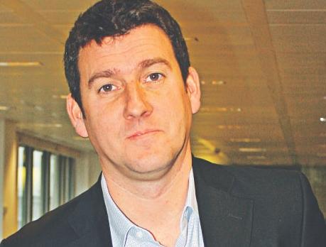 Norm Johnston, po skończeniu MBA na Duke University w 1995 roku, dołączył do pierwszej w kraju agencji digital, Modem Media, która zrewolucjonizowała przemysł reklamowy. W 1997 roku przeniósł się do Londynu, gdzie otworzył filię zagraniczną Moden Media. Dołączył do Mindshare w roku 2007 r.