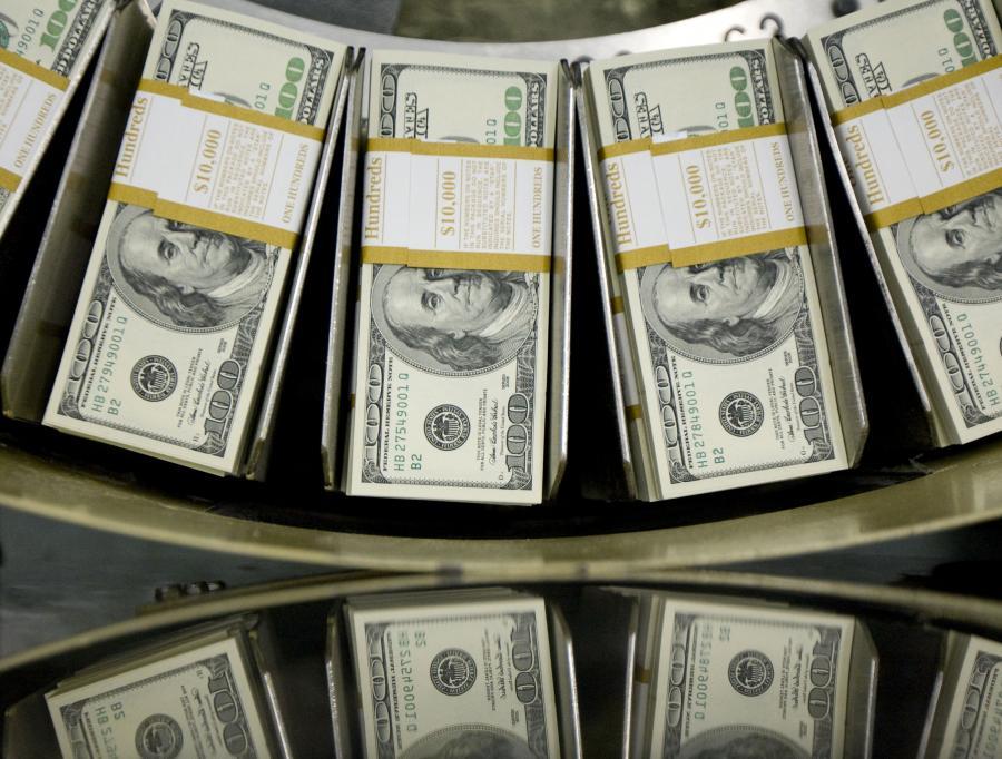 Analitycy spodziewają się dalszego spadku wartości amerykańskiej waluty.
