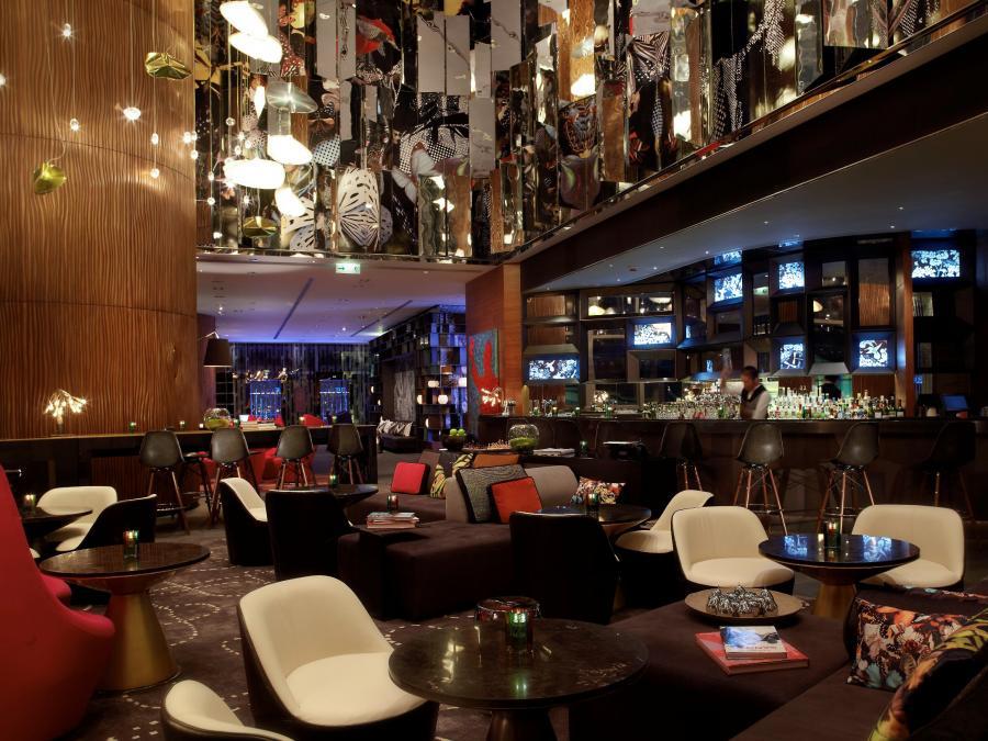Jeden z luksusowych hoteli w Hong Kongu.