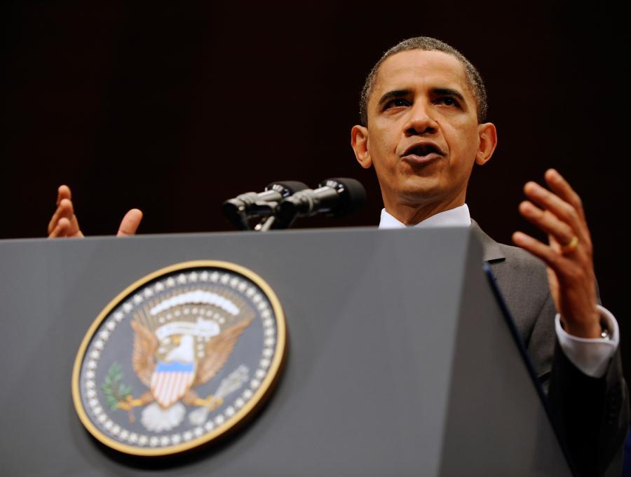 Prezydent USA Barack Obama przyjął z zadowoleniem poniedziałkową decyzję Komisji Bankowej Senatu, która zaaprobowała ustawę o reformie systemu finansowego - informuje agencja Reutera