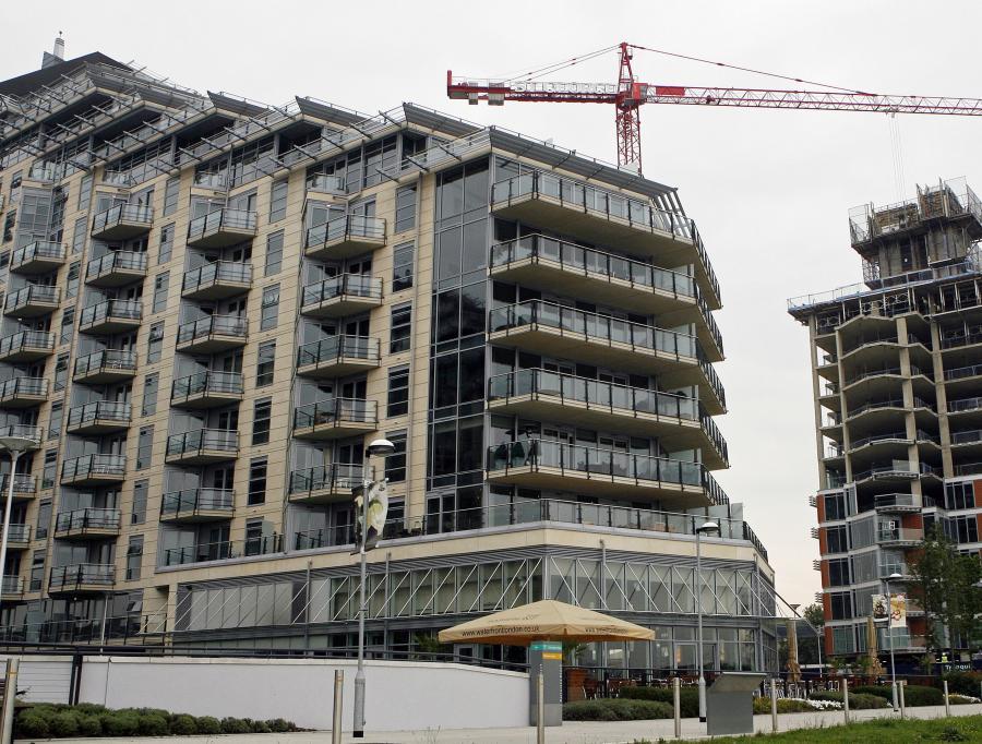 Na nabywcę mieszkania czeka się teraz znacznie krócej niż na początku roku.