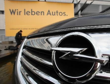 Ford i Peugeot zapłacą za utrzymanie Opla