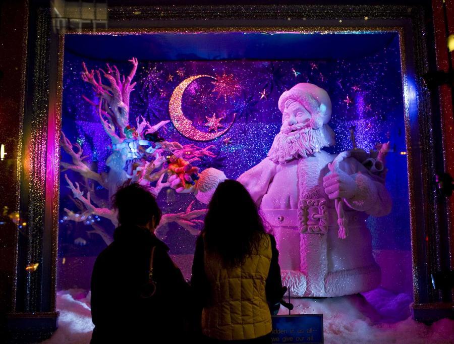 Po raz ostatni za święto przypadające w sobotę pracownicy dostaną dodatkowy dzień wolny. Chodzi o 25 grudnia, czyli pierwszy dzień świąt Bożego Narodzenia, który przypada w sobotę. Od 2011 r. takie uprawnienie zniknie w zamian za wolne w święto Trzech Króli.