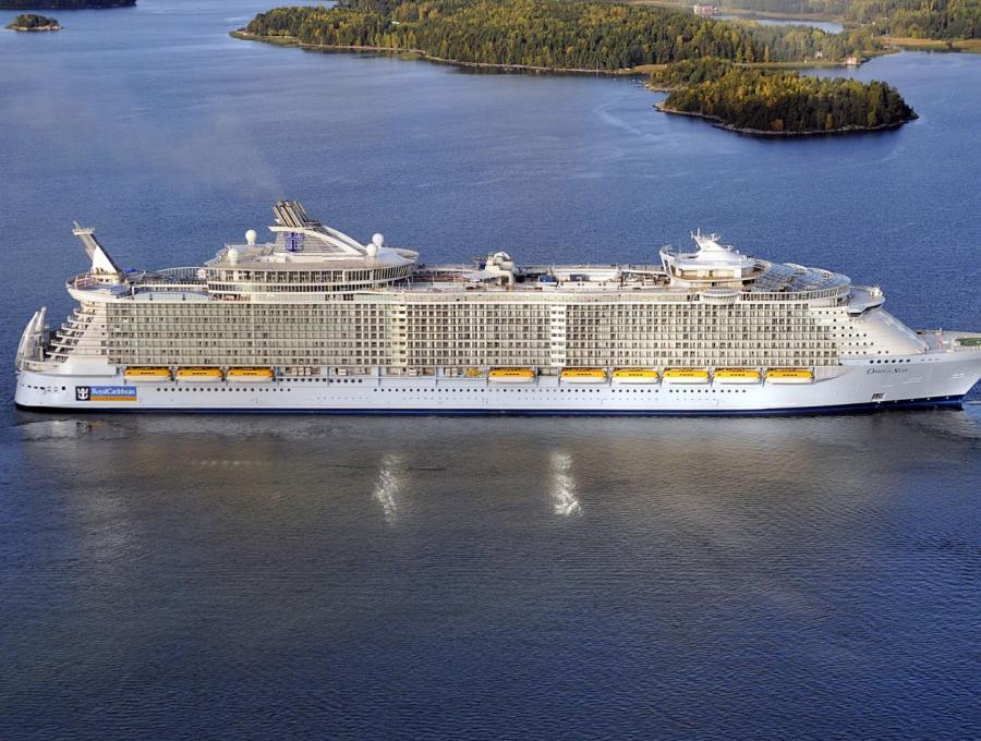 Oasis of the Seas - gigantyczny liniowiec największy i najdroższy na świecie statek wycieczkowy.