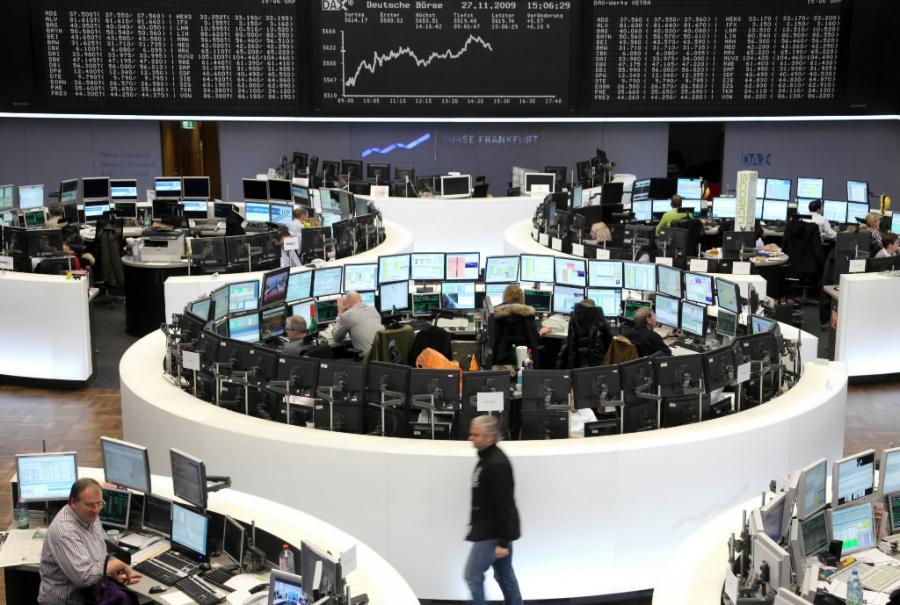 Traderzy giełdy we Frankfurcie mają pełne ręce roboty, indeks DAX idzie w górę.