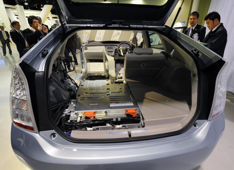 Wnętrze hybrydowej Toyoty Prius