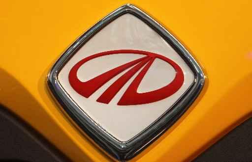 Logo grupy Mahindra.