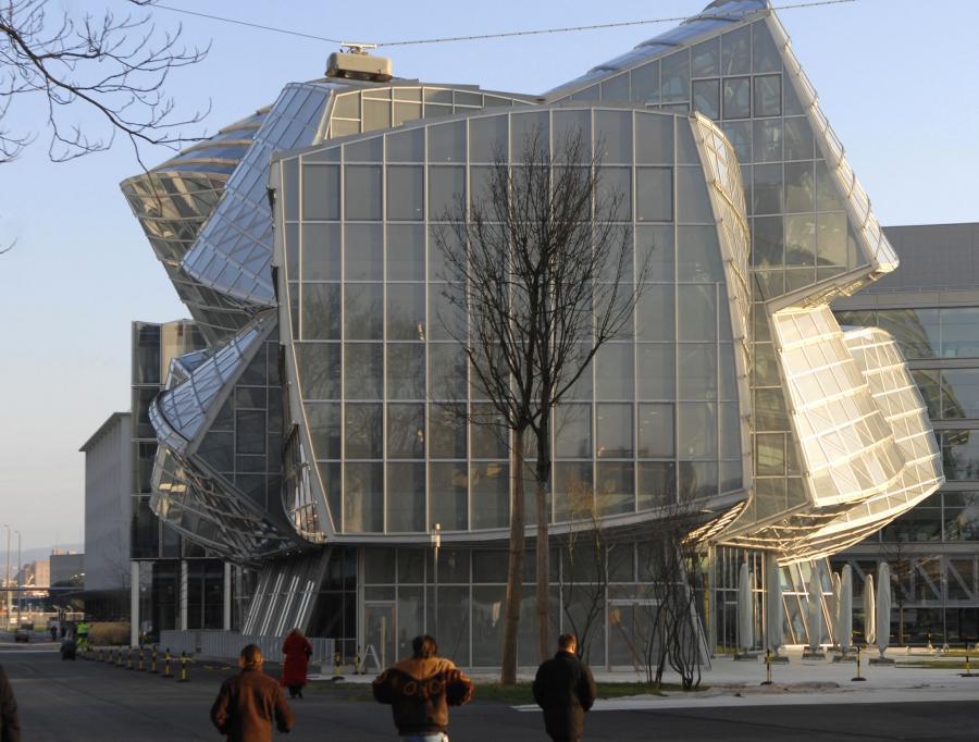 Główna siedziba Novartisu w szwajcarskiej Bazylei zaprojektowana przez Franka Gehryego