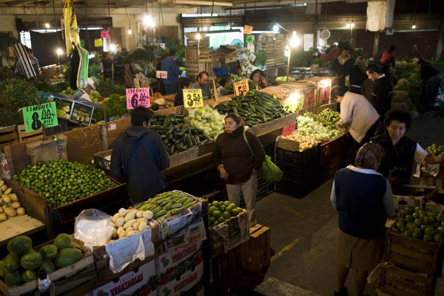 Central de Abasto, największy targ ze świeżymi owocami i warzywami e Mexico City