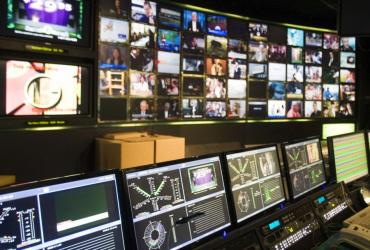 Na budowę nadajników sygnału cyfrowego trzeba będzie wydać 400 mln zł, a nie 800 mln, jak sugeruje resort infrastruktury