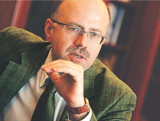 Andrzej Stopczyński, od 2008 szef pionu nadzoru bankowego w Komisji Nadzoru Finansowego, wcześniej był m.in. doradcą prezesa NBP.