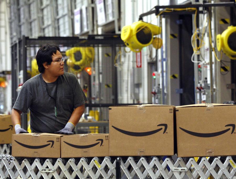 Magazyny wirtualnego domu handlowego Amazon