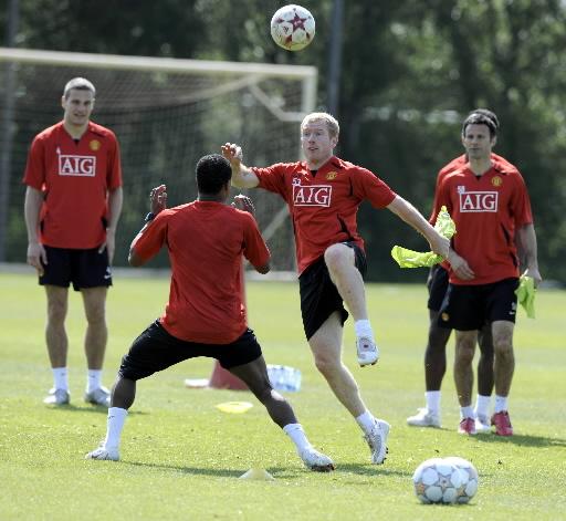 Notowania obligacji Manchester United rozmijają się umiejętnościami piłkarzy klubu. Nz. podczas treningu.