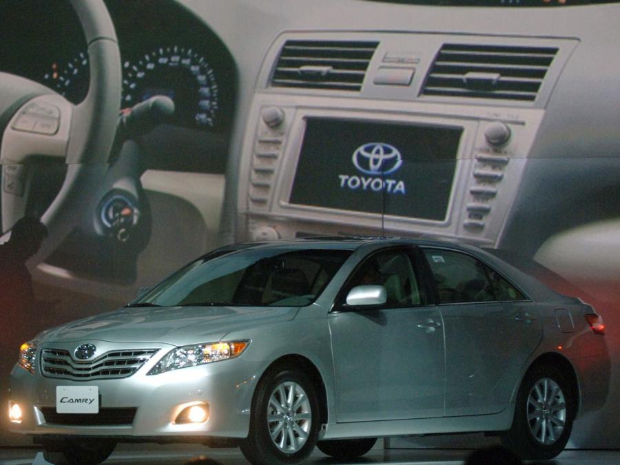 Toyota jest zmuszona wycofać ze sprzedaży osiem modeli samochodów w USA