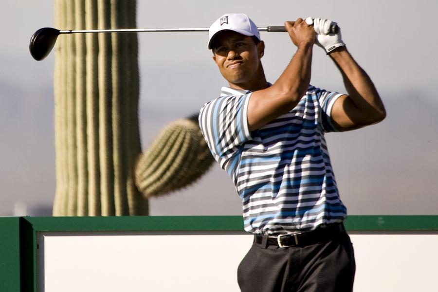 Tiger Woods trenuje przed turniejem World Golf Championship Accenture Match Play w Arizonie w USA