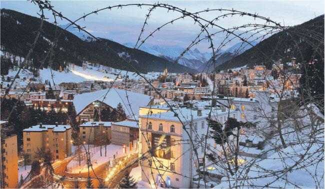 Szwajcarskie Davos dawno nie było areną tak potężnego konfliktu Fot. Reuters/Forum