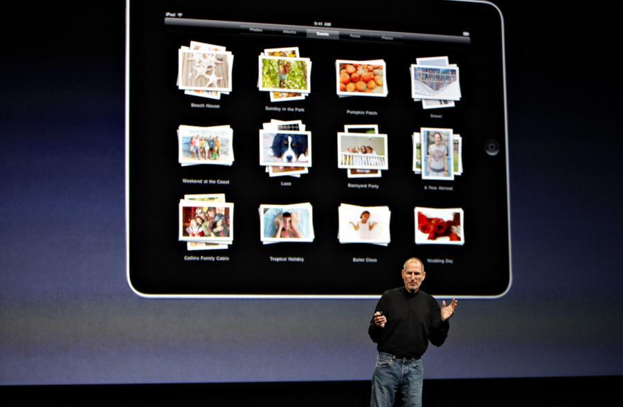 Steve Jobs prezentuje nowy produkt firmy Apple Ipad w Yerba Buena Center  w San Francisco