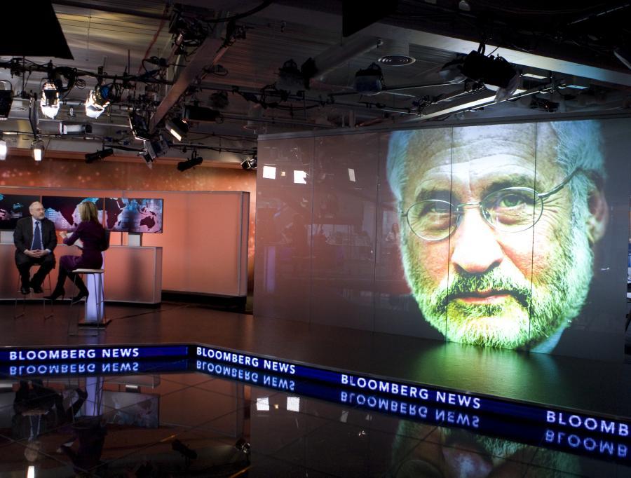 Wywiad z laureatem Nagrody Nobla z ekonomii Josephem Stiglitzem w siedzibie agencji Bloomberg