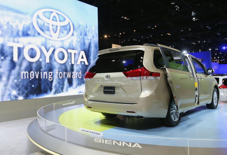 Nowy model Toyoty - Sienna na targach Chicago Auto Show