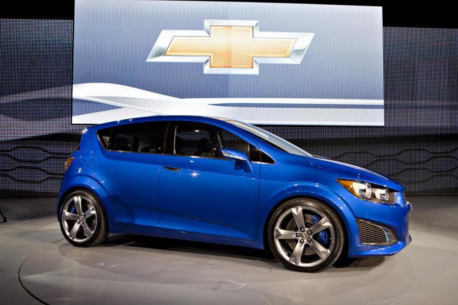 General Motors w swoim oficjalnym oświadczeniu podał do wiadomości, iż 1,3 miliona samochodów marki Chevrolet i Pontiac sprzedanych na terenie Stanów Zjednoczonych,   Kanady i Meksyku posiada usterkę w systemie kierowniczym