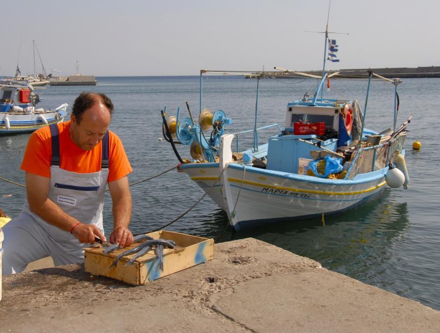 Grecki rybak. Fot. PAP/Photoshot