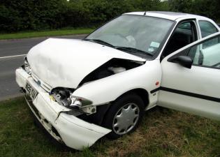 Samochód zniszczony w wypadku
