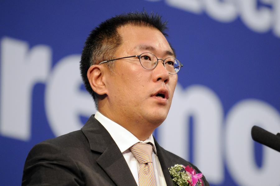 Nowy członek zarządu Hyundaia, syn głównego akcjonariusza koncernu, Chung Eui Sun