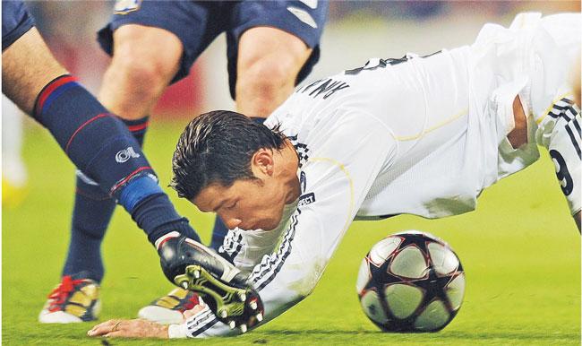 Sprowadzenie Cristiano Ronaldo za 94 mln euro nie zapewniło Realowi spodziewanych sukcesów Fot. AFP/East News