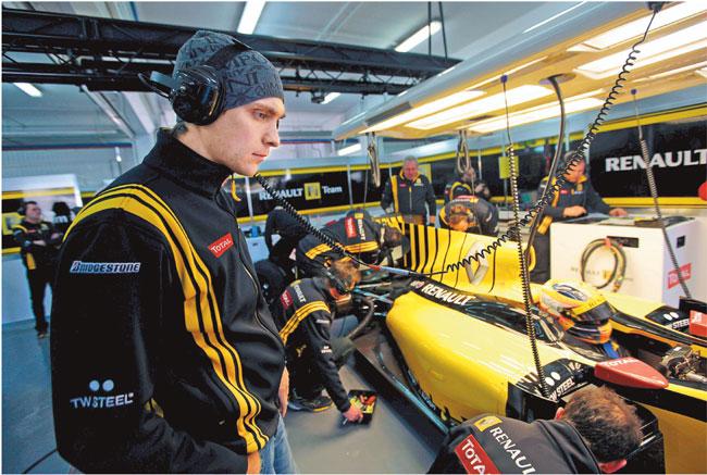 Witalij Pietrow w niedzielę jako pierwszy rosyjski kierowca w historii stanie na starcie wyścigu Formuły 1 Fot Andrew Ferraro/LAT Photographic