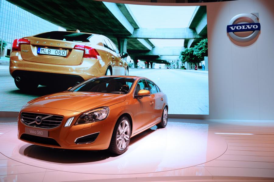 Dealerzy chwalą Volvo i Mercedesa. Francuskie koncerny rozczarowały
