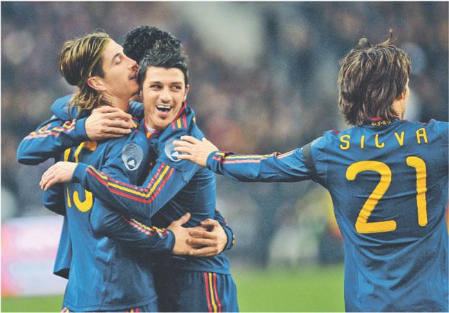 Hiszpanie mają powody do radości. Na mistrzostwach w RPA mogą dużo zarobić Fot. AFP