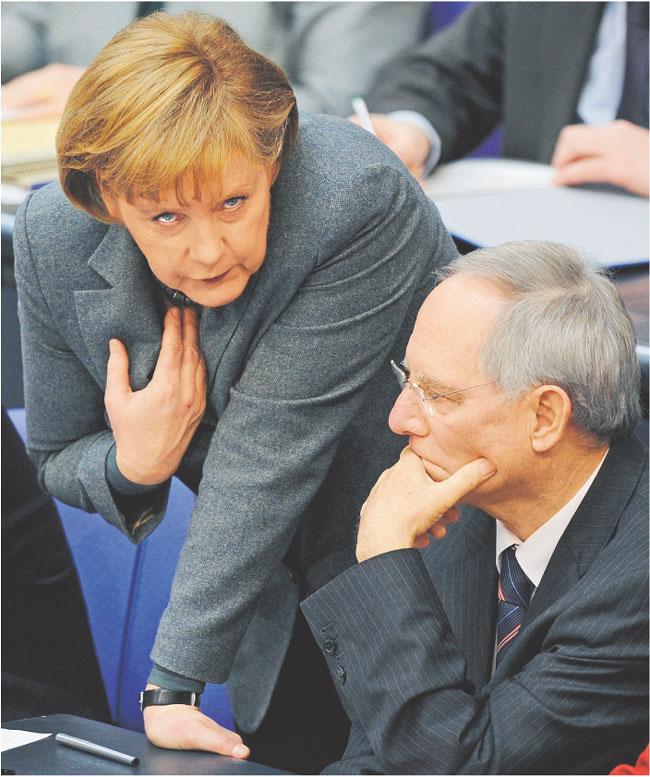 Kanclerz Angela Merkel i minister finansów Wolfgang Schaeuble Fot. dpa/Forum