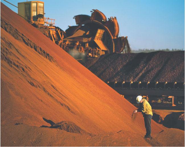 Rio Tinto to największy dostawca węgla do Chin. Proces pracowników firmy zmusił ją do ustępstw wobec Pekinu Fot. AFP