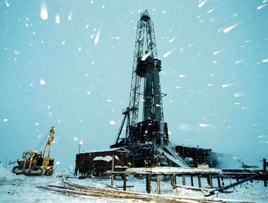 Szyb naftowy na Syberii