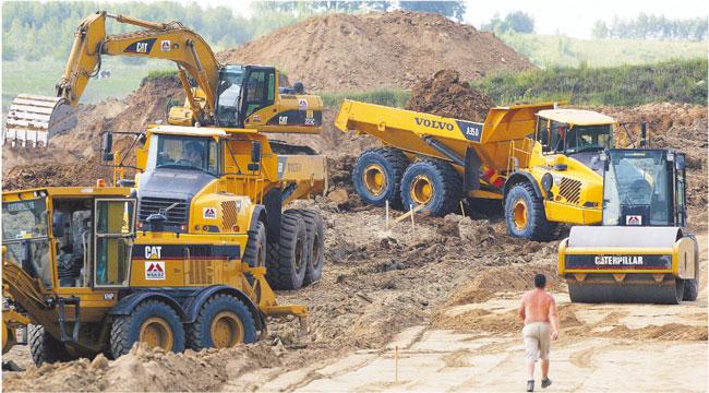 To dzięki unijnym pieniądzom ruszył w Polsce wielki program budowy dróg Fot. Bogdan Hrywniak