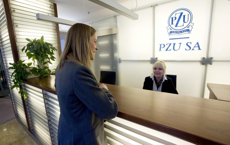 Prawie 4,1 mld zł zarobią Holendrzy na akcjach PZU. Ponad 11,2 mln walorów ubezpieczyciela zostanie sprzedanych po 365 złotych za sztukę.Eureko błyskawicznie pozbyło się akcji największego polskiego ubezpieczyciela.