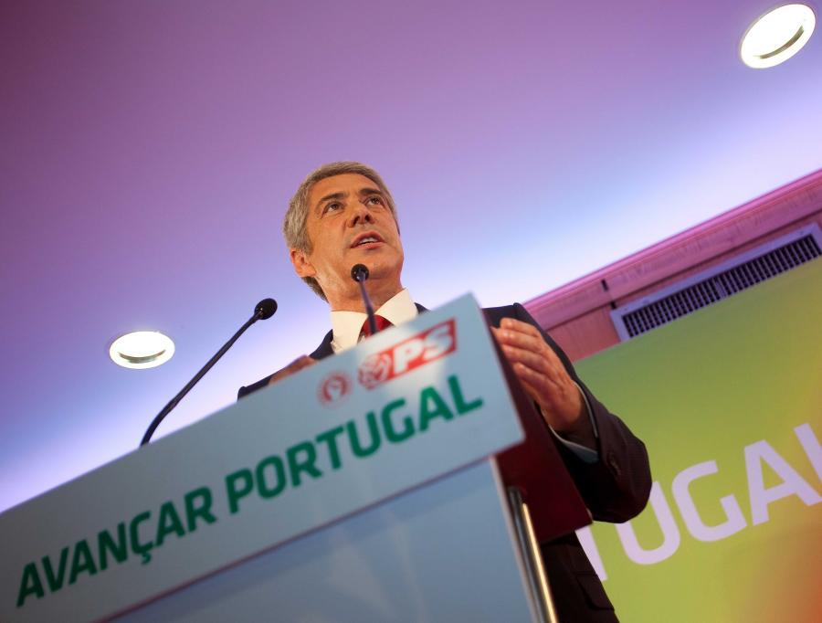 Rząd Jose Socratesa uelastycznia rynek pracy i poprawia konkurencyjność swojej gospodarki. Bez zdecydowanych reform Lizbona nie ma szans na wyjście z recesji. Na zdj. Jose Socrates, premier Portugalii