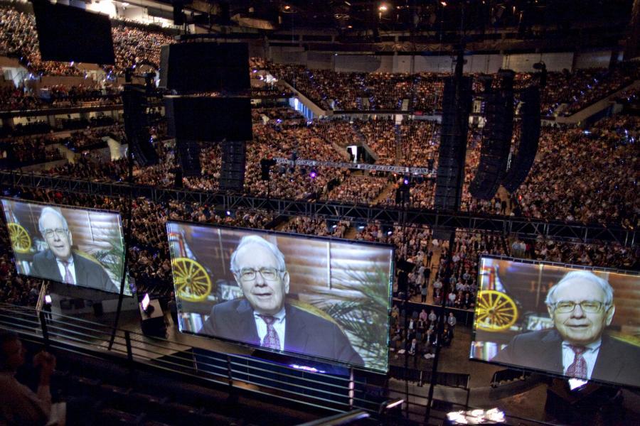 Coroczny zjazd akcjonariuszy Berkshire Hathaway w Omaha, Nebrasce, U.S - emisja przemówienia Warrena Buffetta