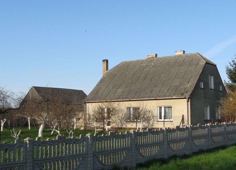 Dom z dachem z azbestu (3). Fot. Home Broker