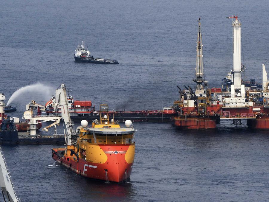 Administracja USA pozwała w środę BP i kilka innych firm, mających związek z wyciekiem ropy w Zatoce Meksykańskiej, zarzucając im łamanie amerykańskich przepisów, dotyczących ochrony środowiska.